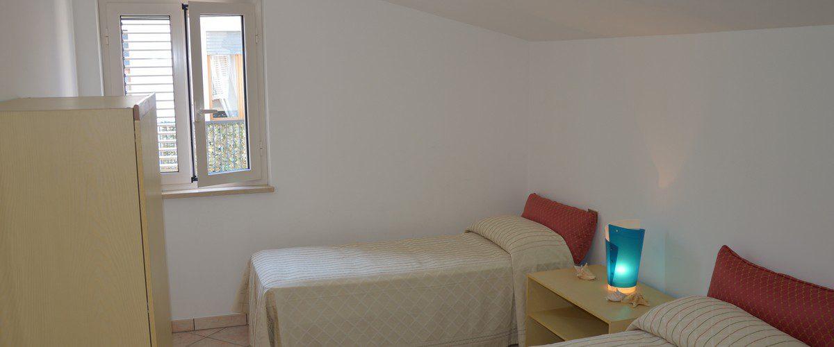 Casa-Vacanze-Roseto-degli-Abruzzi-Rotonda-6-mare-appartamenti