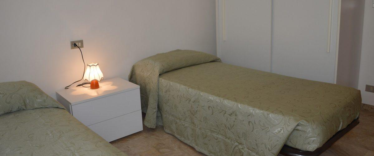 appartamento-vacanza-rotonda4-roseto-degli-abruzzi-camera5