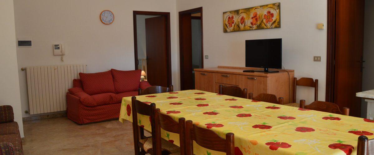 appartamento-vacanza-rotonda4-roseto-degli-abruzzi-soggiorno2