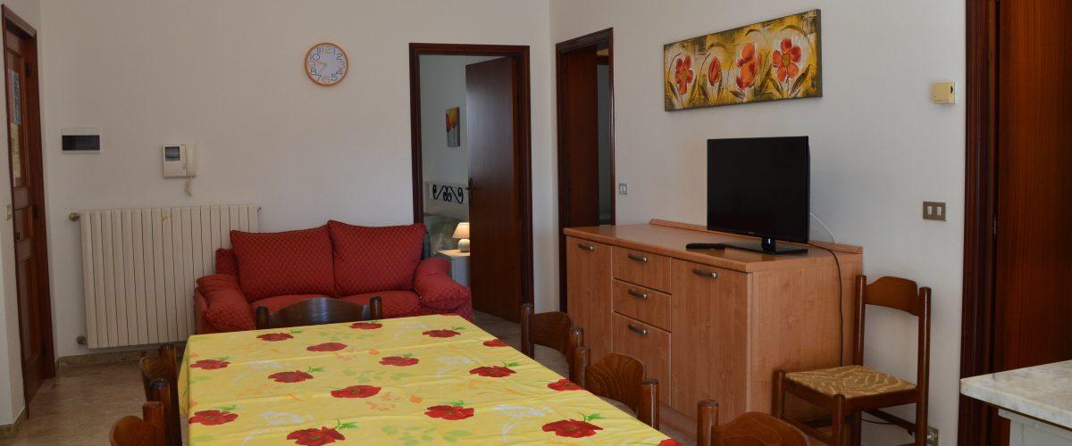 appartamento-vacanza-rotonda4-roseto-degli-abruzzi-soggiorno3