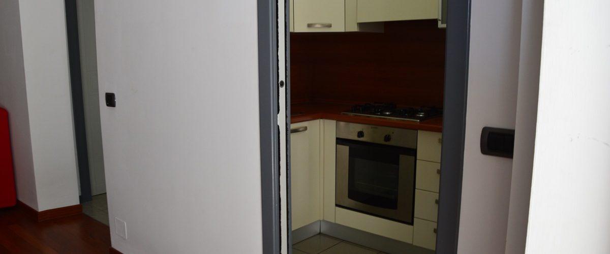 appartamento-vacanze-rosburgo-1-roseto-degli-abruzzi-cucina-1