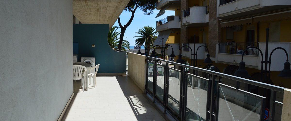 appartamento-vacanze-rosburgo-1-roseto-degli-abruzzi-terrazzo-3