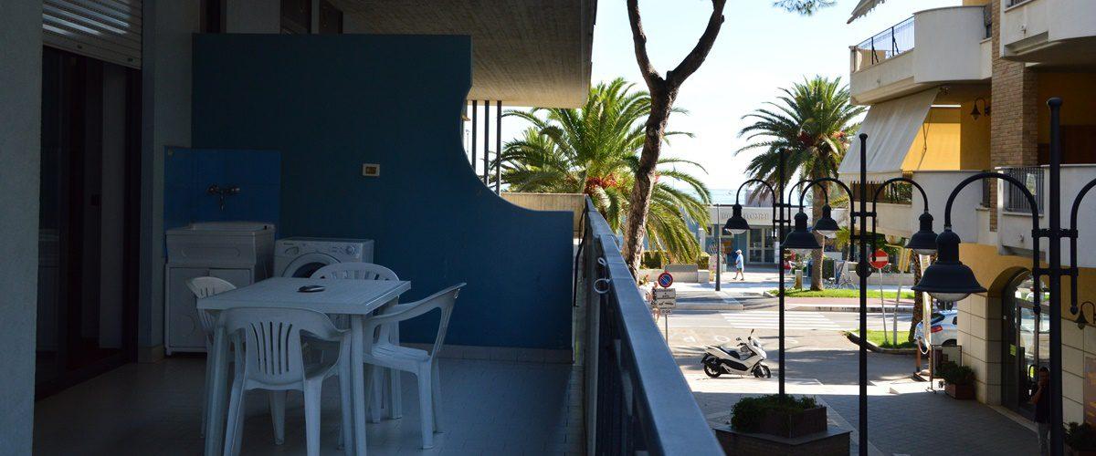 appartamento-vacanze-rosburgo-1-roseto-degli-abruzzi-terrazzo-6