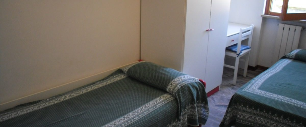 appartamento-vacanze-rotonda-9-roseto-degli-abruzzi-camera2