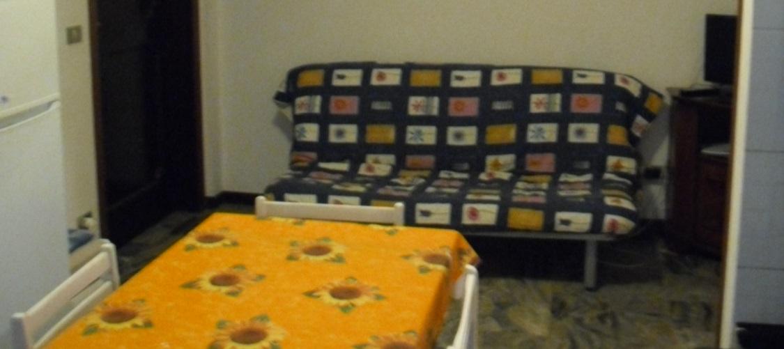 appartamento-vacanze-rotonda-9-roseto-degli-abruzzi-soggiorno2