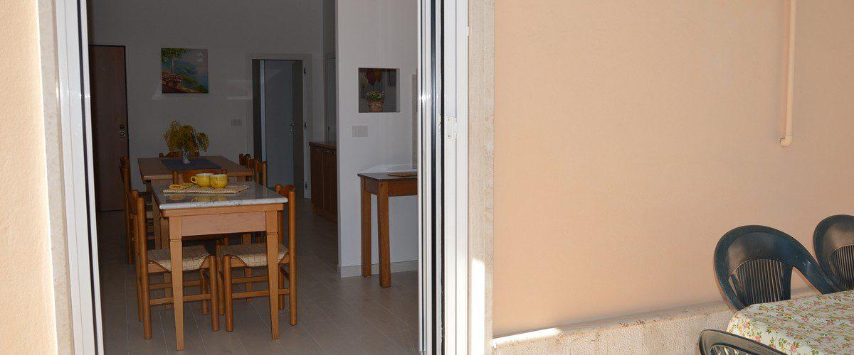 Casa-Vacanze-Roseto-degli-Abruzzi-Rotonda-3-mare-appartamenti-1
