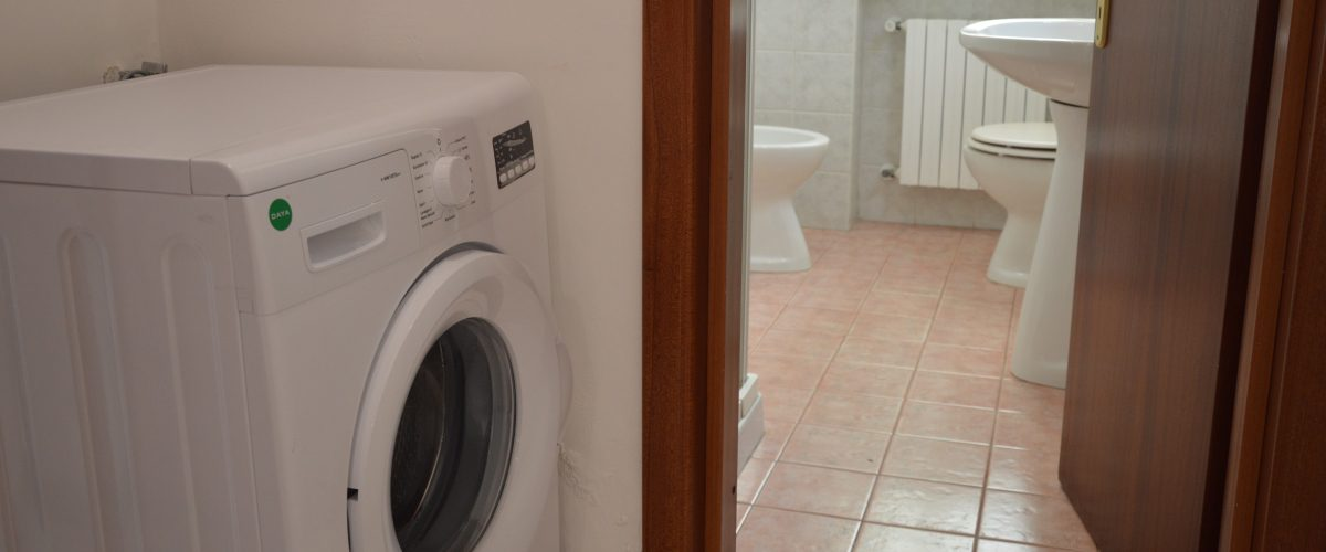 appartamenti-vacanze-roseto-degli-abruzzi-rotonda-1-bagno2