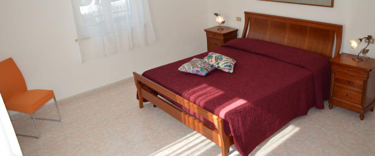 appartamenti-vacanze-roseto-degli-abruzzi-rotonda-1-camera1