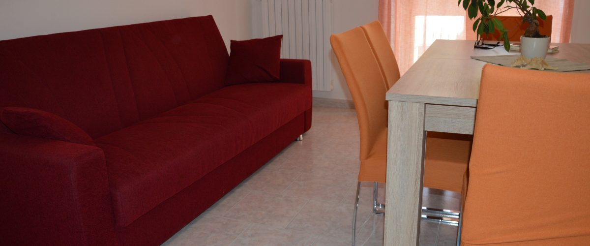 appartamenti-vacanze-roseto-degli-abruzzi-rotonda-1-soggiorno2