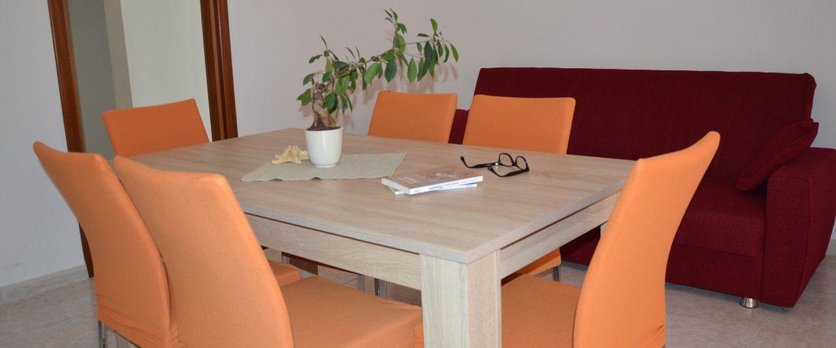appartamenti-vacanze-roseto-degli-abruzzi-rotonda-1-soggiorno3