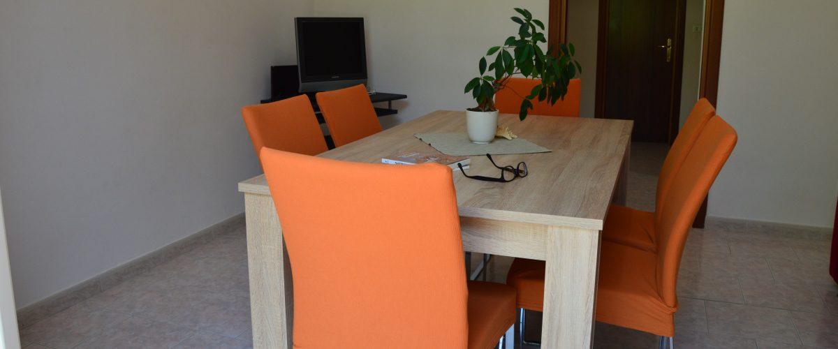 appartamenti-vacanze-roseto-degli-abruzzi-rotonda-1-soggiorno4