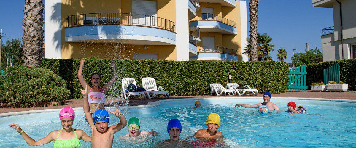 Roseto-degli-Abruzzi-mare-triangolo-residence-appartamenti-piscina07