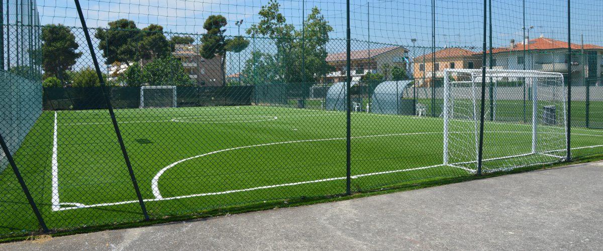 residence-vacanze-triangolo-roseto-degli-abruzzi_campi-di-calcetto