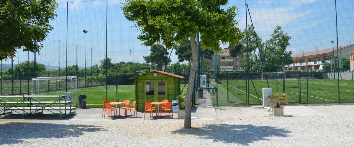 residence-vacanze-triangolo-roseto-degli-abruzzi_campi-di-calcetto2