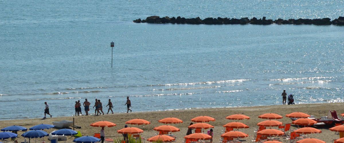 cerrano-vacanze-roseto-degli-abruzzi-pineta-mare-spiaggia-1