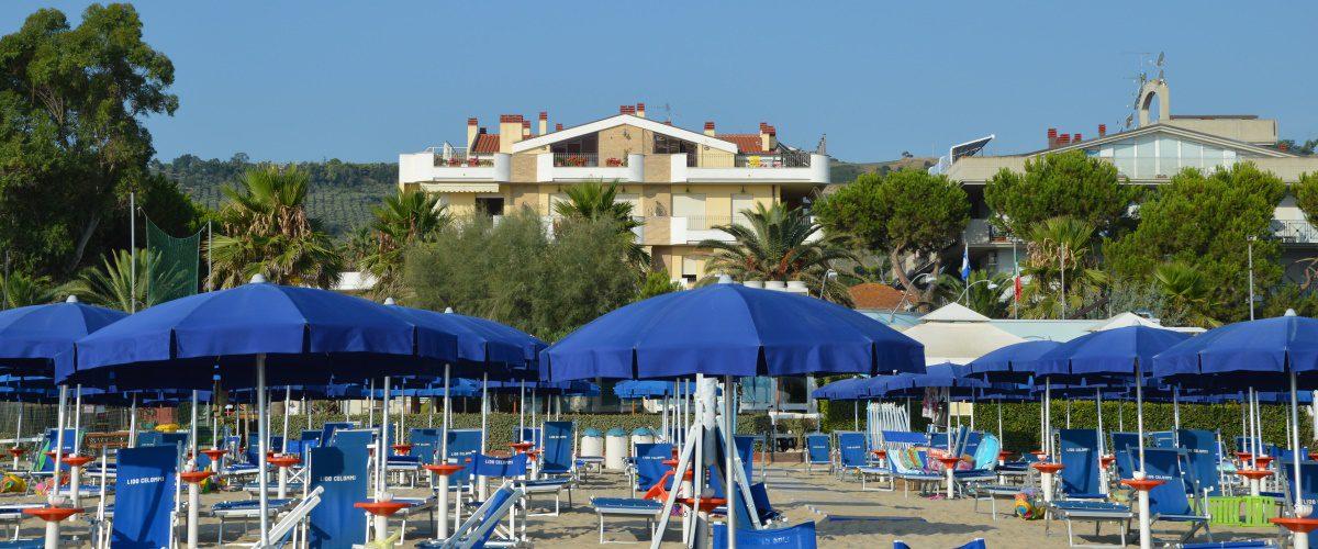 cerrano-vacanze-roseto-degli-abruzzi-pineta-mare-spiaggia-2